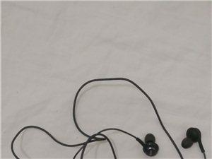 出售三星s9原装AKG耳机一副,因手机被丢只剩下耳机所以便宜处理,有喜欢听音乐对耳机要求高的朋友,这...