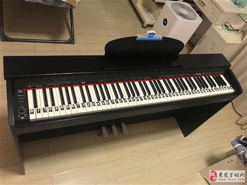 二手電鋼琴,剛買不到一個月,只彈了幾天,小孩子不愿意彈,9.9成新,