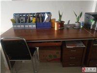 办公桌几成新,有意者联系,非诚勿扰