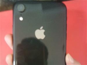 苹果手机xr,95新,保修期到明年2月,有耳机和外壳