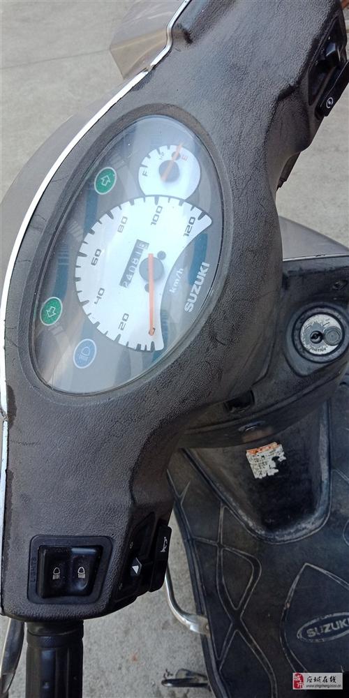 鈴木QS125踏板摩托車,無牌,輕松90碼以上,前后換了新朝陽輪胎,裝的新防盜器,送大鎖,,后剎剛換...