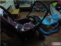 婴幼儿推车,学步车,木头小床。 幼子已长成,半卖半送。