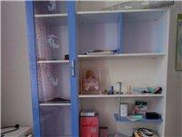 万好家私,包括书柜、书桌椅、1.2米床,床头柜,儿童房整套,个人自用,8成新