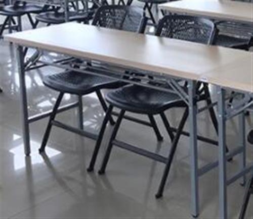 会议桌浅木色规格180*45    24张         规格 150*45    27张