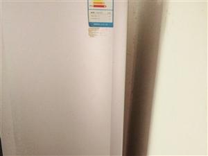 因即将搬家,现出售一台原价为2600元的美菱冰箱,一级节能,成色新,需要的速度,手慢无。 成交地址...