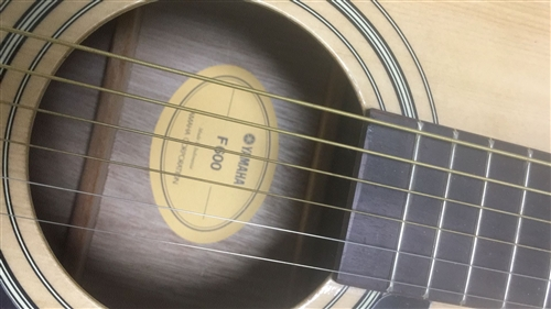 吉他,雅马哈F600,不到一年,保护很好,无划痕磕碰,一千多实体店买的,半价出,500,送货上门
