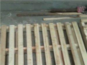 订做各种木托盘。。。物流。耐火。砖厂。石材厂。化工。机械。各种木托盘。。。电话18338999317...