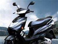 125cc踏板摩托车一辆,新换的机油火花塞空气滤芯,灯光齐全提速快刹车治省油没小毛病从不把人落地上,...