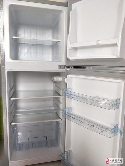 韩电(KEG)132升家用双门小冰箱,上层冷冻,下层保鲜,原价745买的,租房用过一年,八成新现在低...