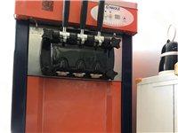 89成新冰淇淋機,就剛買來用了一次,店內用不到一直閑置
