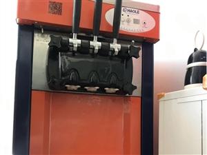89成新冰淇淋机,就刚买来用了一次,店内用不到一直闲置
