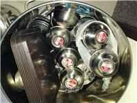 全新,不锈钢防烫碗(装二两三两粉面)一百多个。加厚形不锈钢大铁桶等餐具便宜处理,有需要的速联系。