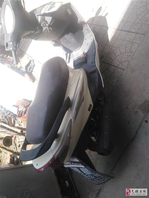 精品踏板摩托車不用了便宜賣了