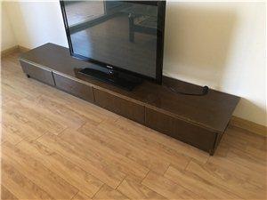 茶几150元 沙发600元 电视柜100元