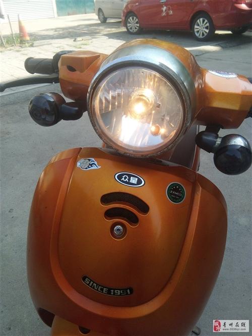 老婆骑的很在意换了电动闲置了,灯亮表走不烧机油,无大的磕碰,全车无暗病