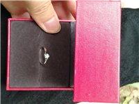 全新18k金钻戒 ,圈口是11号的 刚买回来没几天 因手指头粗有点小 现在低价600元出售  买时1...