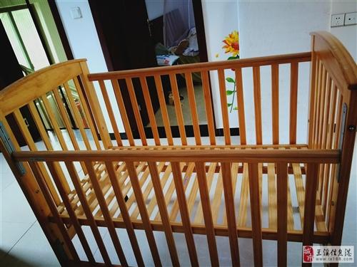 婴儿床,1.2*1米,纯实木,可升降 宝宝长大了用不上了,低价转手, 买就送蚊帐,凉席,床单,床...