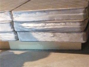 床,床垫,门,品牌马桶,床头柜,欧普新排风