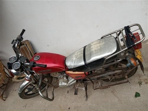 男士摩托车便宜处理了   只要200元   要的速度联系了13677071910
