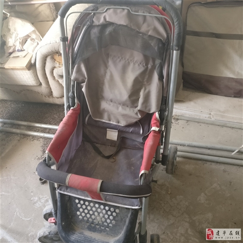 出售婴儿推车,就用一夏天,剩下在库房放着了。便宜出售20元。车在叶柏寿。想要的打电话13147848...