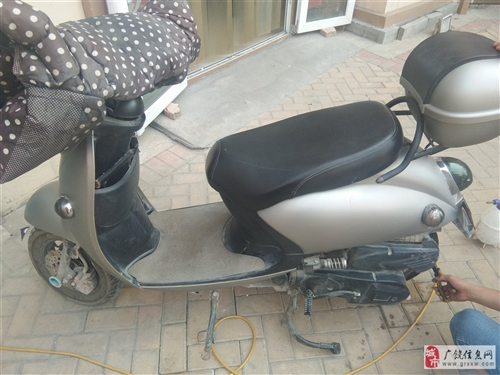 出售小龟王摩托车一辆,8成新,125发动机,磨砂灰色,本买来上下班骑,经常出差没用到,现低价出售,有...