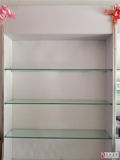 九成新貨架兩個,可用于超市產品展示柜,或者美容產品展示柜,理發店產品展示柜,用途多樣。現低價轉賣。