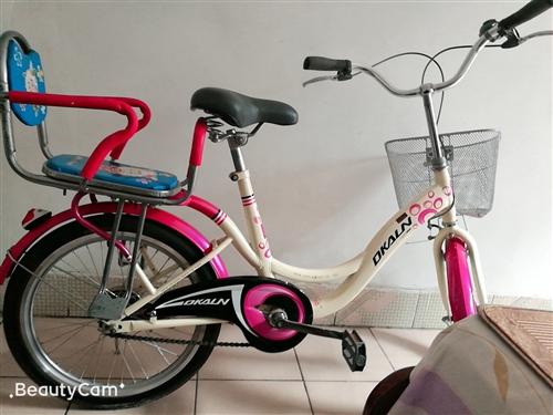 低价处理九成新28自行车,带儿童后座,方便接送孩子。