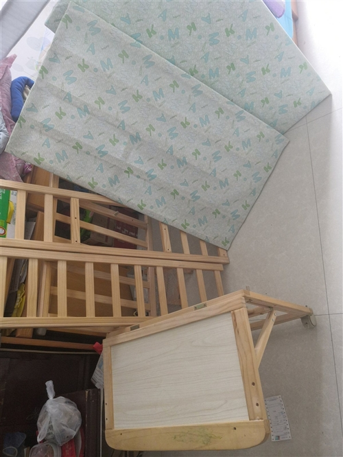 实木婴儿床 已拆分 基本全新 电话18553694448