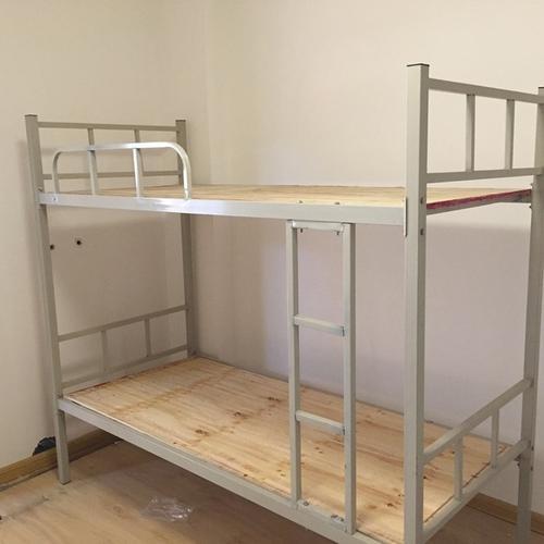 學生好高低床九成新上下鋪低價轉讓 9成新,2套。買的380一套質量好的,現在用不到了,低價處理,需要...