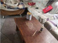 出售2手茶几,床,书桌,衣柜,价格便宜。
