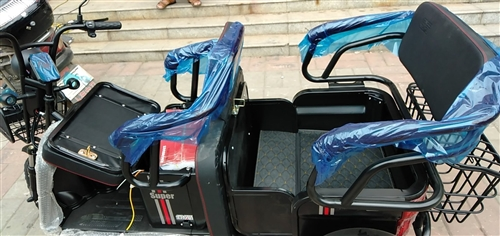 金箭電動車,今天剛買,從店騎到家,新車百分之百新,3600有要的聯系,非誠勿擾!