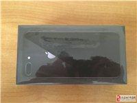 出售本人自用苹果8p一部,2018年7月底购自京东商城,黑色国行正品,九成新,64GB。各种配件齐全...