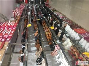 货架处理,不绣钢制作,9.9成新,2米多高,用来卖皮鞋的,现在鞋子在处理中,处理完了就可以拆了,地址...