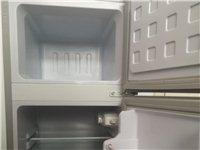 转让新飞冰箱,自家使用不到一个月全新。正常使用可冷藏可冷冻,体积小巧不占大空间。宝丰城区自提。??1...