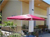 出售一把摆摊遮阳伞从来没有用过全新的,长方形2.8米红色带底座