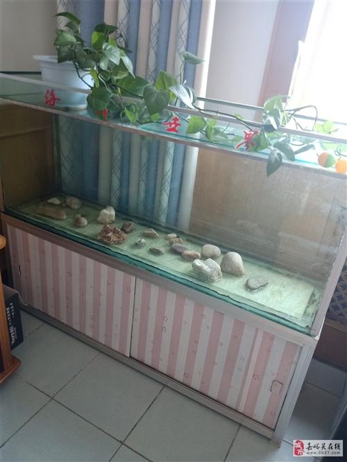 家里没处放,现在低价出售鱼缸??