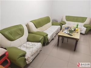 真皮沙发因换家具低价出售,非诚勿扰