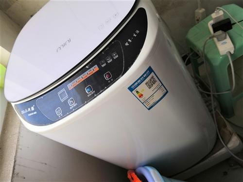 出售才買一年的小天鵝洗衣機,小巧,適合洗的衣服量不是很大的人士