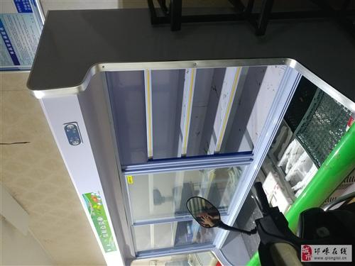 二米五的保鲜柜 买起只用了两个月因为转行了便宜处理了