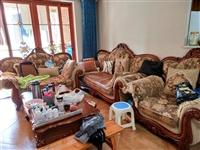 1+2+3实木欧式沙发一套,使用3年,万盛新红阳家具城购买的,?#22270;?#36716;,购买人自提。