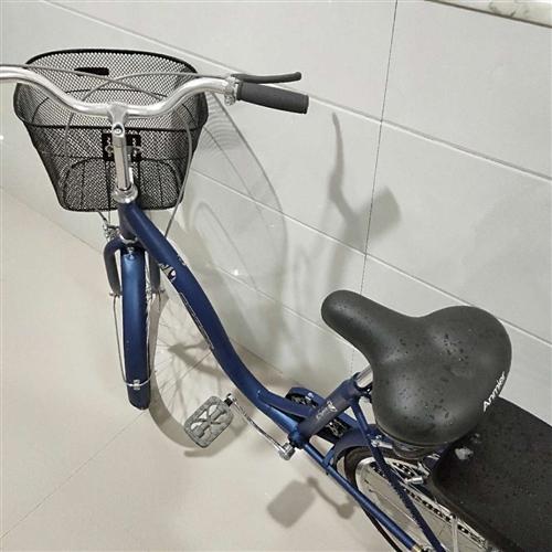 自行车一辆,一周前购买,全新。