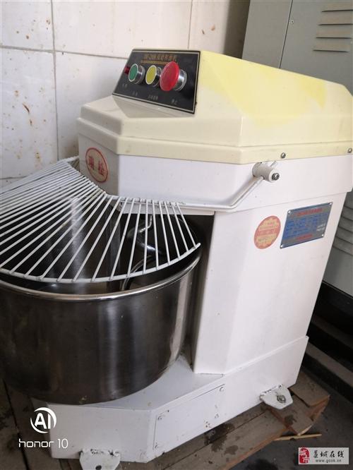 瑞松20升16斤搅面机面机一台,原价2400多,买来用了一个月左右就闲置了,需要的来,九成新,价钱面...