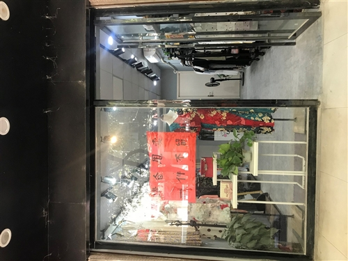 鈦合金鋼化玻璃單開門,高2.38米 寬2.65米  開門寬0.88米