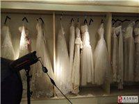 有一批八成新婚纱,礼服,时装,男装,童装,上衣,裤子,鞋子,价格20元起至千元的品牌礼服可供选择。地...
