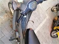 彎梁摩托車新大洲本田 跑了2000多公里 價格面議