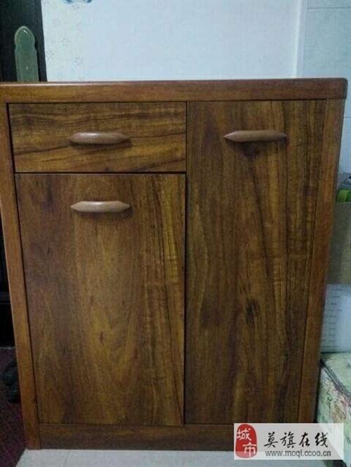 出售純木質鞋柜 電話15204987328