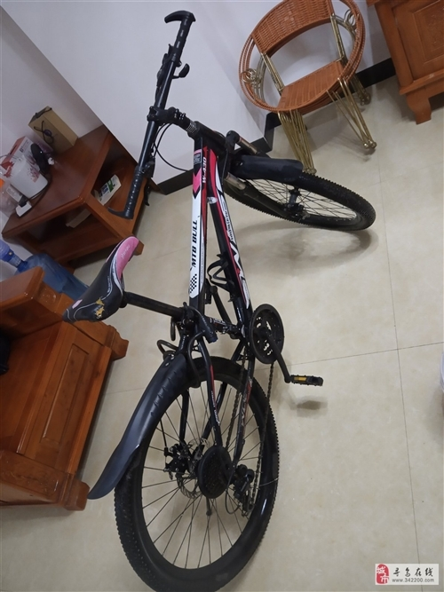 200元自行车  便宜处理了   才骑一个学期