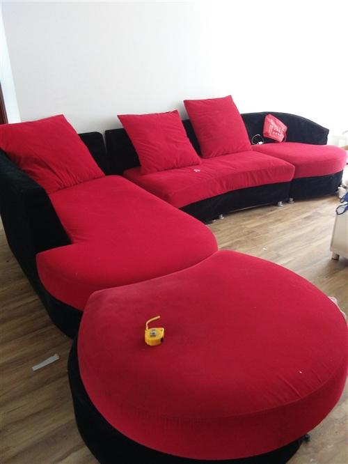 沙發九成新因賣房處理
