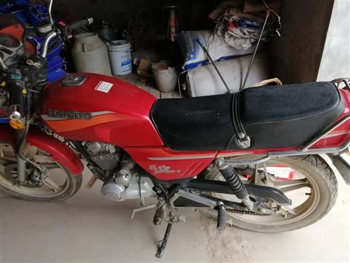 豪爵摩托,買了騎了不到一年,買車后在沒騎,九成新,一次都未修理,放置一年后電打火一打就著,價格100...