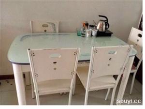 求�餐桌椅一套  13406781497